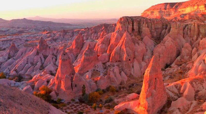 Долина красных роз Каппадокия