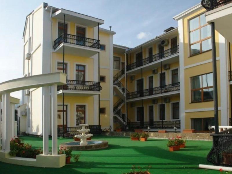 Гостиница Палас в Ялте